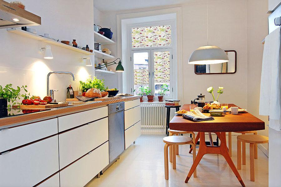 Bei Der Einrichtung Einer Küche Steht Irgendwann Auch Die Frage Nach Einem  Geeigneten Sonnenschutz Im Raum. Plissees Und Rollos Bieten Für Diesen ...