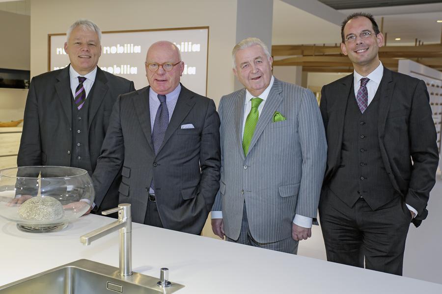 kuchenmobelhersteller nobilia : Halten nobilia auf Kurs (Foto von links): Dr. Oliver Streit ...