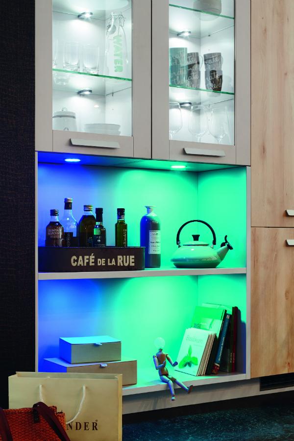 mit licht gestalten k chenplaner magazin. Black Bedroom Furniture Sets. Home Design Ideas
