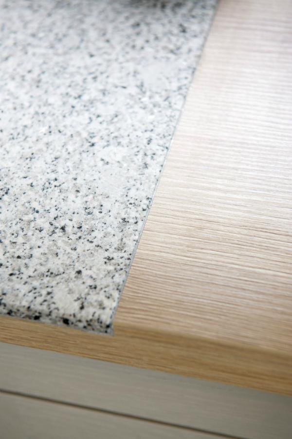 Arbeitsplatte dicke  Bündig eingebettete Arbeitsfläche aus Stein: Küchenplaner-Magazin