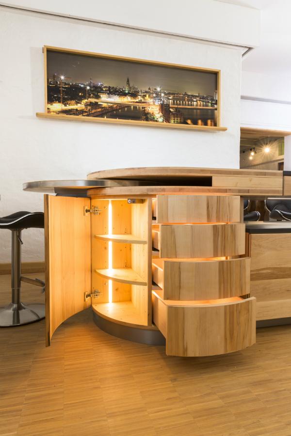 Architektur und natur vereint k chenplaner magazin for Schrank rund