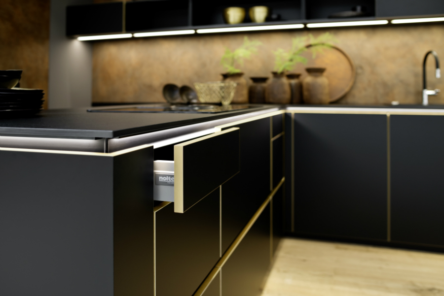 nolte lobt die eurocucina und bucht f r die livingkitchen k chenplaner magazin. Black Bedroom Furniture Sets. Home Design Ideas