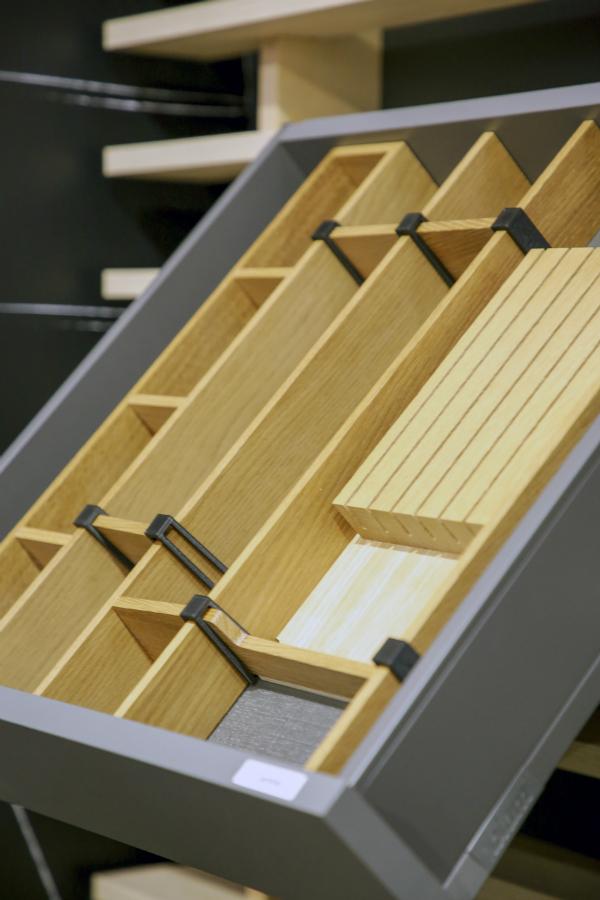 elegante ideen f r die schrankausstattung k chenplaner magazin. Black Bedroom Furniture Sets. Home Design Ideas