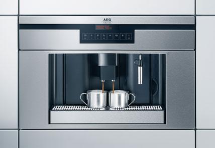 Möglich Ist Die Individuelle Einstellung Von Mahlgrad, Kaffeestärke,  Tassenfüllmenge Und Temperatur. Die Vorbrühfunktion Und Der Pumpendruck Von  15 Bar ...