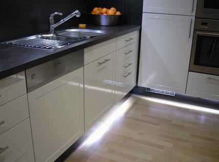 steckbar: küchenplaner-magazin - Lichtband Küche