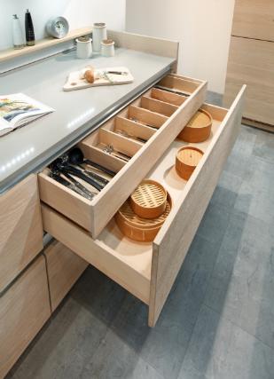 g hring massiv und grifflos k chenplaner magazin. Black Bedroom Furniture Sets. Home Design Ideas