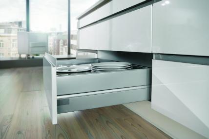 schubkastensystem profi nobilia setzt auf neueste hettich technik k chenplaner magazin. Black Bedroom Furniture Sets. Home Design Ideas