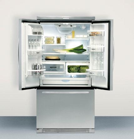 Mit zwei türen bietet der side by side kühlschrank krfc 9010 in